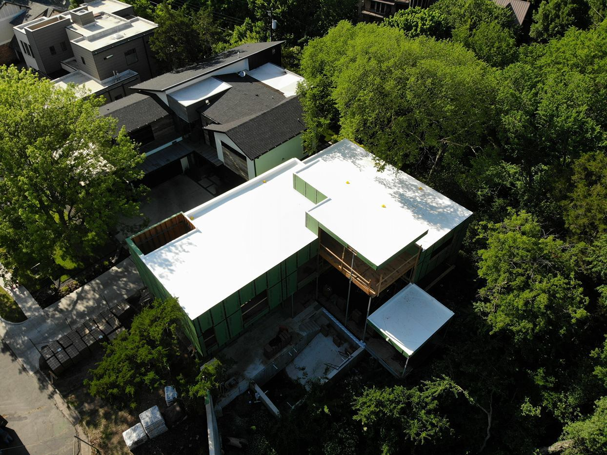 Visit Alliance Roofing & Construction for residential and commercial roof services.  We have great roofing options to suit your roof concerns. Whether it is single-ply installation, new metal roof or metal roofing restoration, call us and we will serve what you need.(903) 225-8383