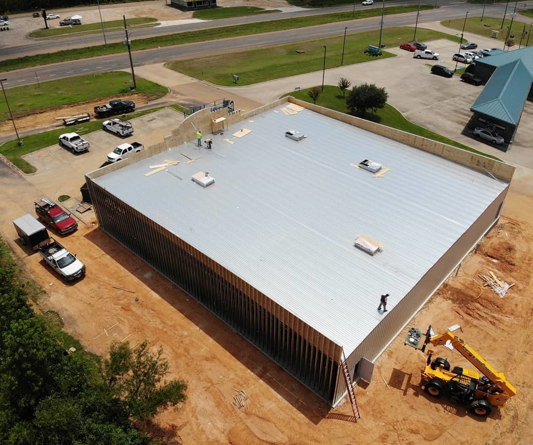Alliance Roofing provides residential and commercial roofing with exceptional quality. We offer single-ply roofing, metal roofs, PVC roofing and TPO installation projects unmatched by anyone else in the area! Call us at .(903) 225-8383and get a free quote.